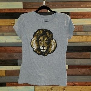 Adam Levine lion head graphic tee. Size XL